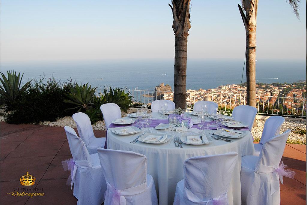 catering allestimenti tavolo viola