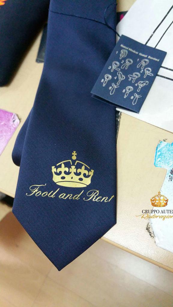 pesce azzurro cravatta