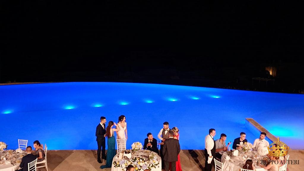infinito piscina blu