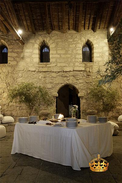 Castello Xirumi tavolo bianco