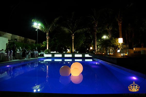 villa carlino sfere in piscina